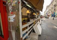 Екатеринбург продолжают чистить от нелегальных киосков